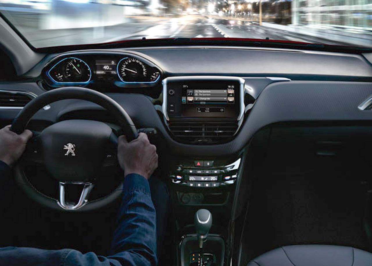 Peugeot 2008 interni peugeot torino spazio tre srl for Interni srl