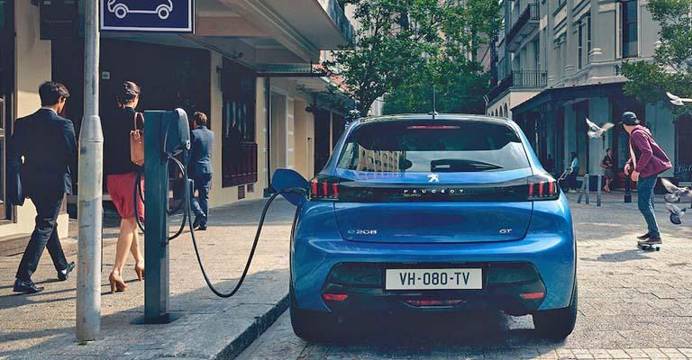 Peugeot elettriche a Torino